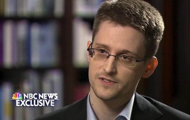 O ex-prestador de serviços da Agência de Segurança Nacional (NSA) dos Estados Unidos Edward Snowden, em entrevista ao canal NBC nesta quarta-feira (28) (Foto: NBC News/Reuters)