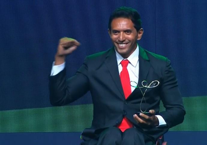 Luis Carlos Cardoso no Prêmio Brasil Paralímpico (Foto: Reprodução/SporTV)