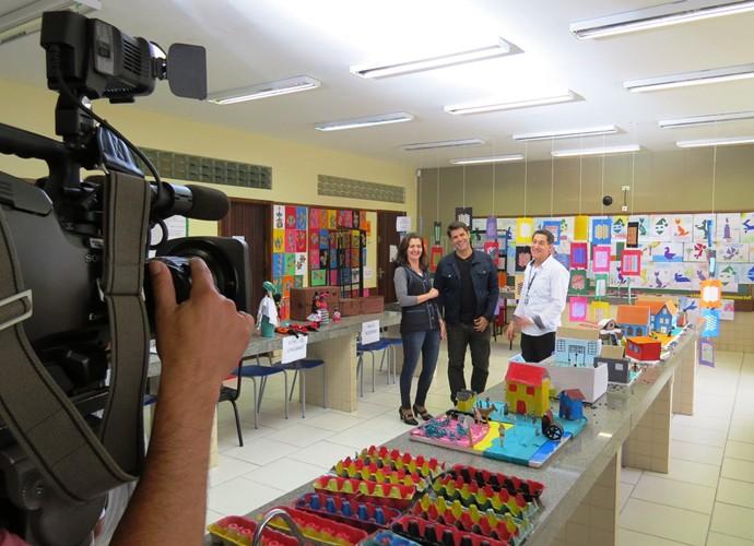 Fotos nos bastidores da gravação do programa (Foto: Divulgação/Semed)