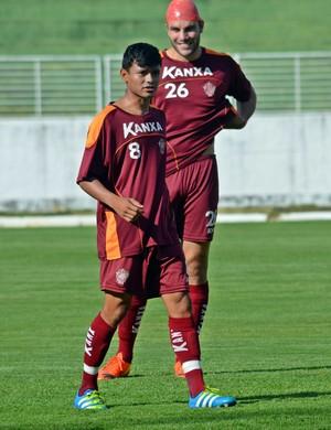 Kaio Cristian lateral-esquerdo Boa Esporte (Foto: Régis Melo)