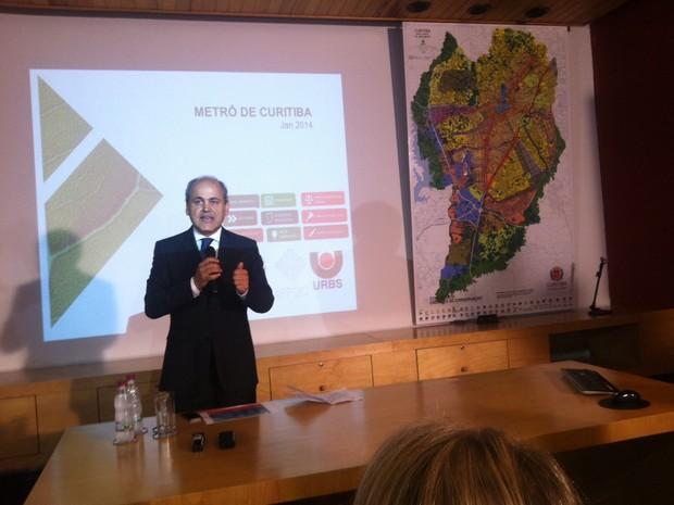 Gustavo Fruet falou sobre o edital do metrô de Curitiba (Foto: Fernando Castro/ G1)