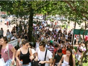 Expectativa da UEL é que por volta de 20 mil candidatos se inscrevam, semelhante ao registrado em 2012 (Foto: Divulgação/UEL)