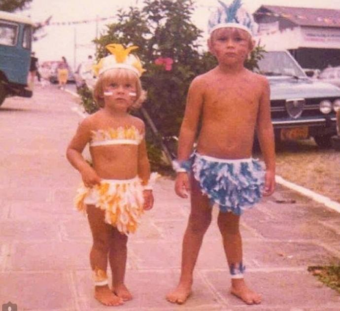 Carolina e Marcos curtem Carnaval quando eram pequenos (Foto: Arquivo Pessoal)