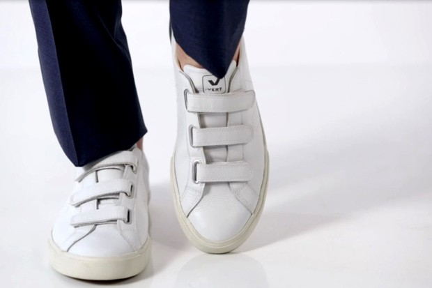 edc23af8517 Tênis branco é tendência na moda masculina  saiba como usar - GQ ...