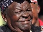 'Ganhou  porque sabe  amar', diz avó (Thomas Mukoya/Reuters)