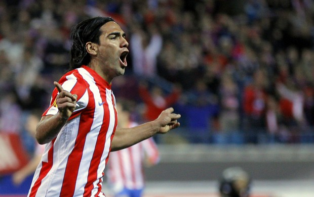 Falcao García comemora gol do Atlético de Madri (Foto: AP)