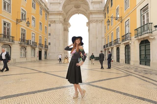 Titi Müller gravou a quarta temporada do 'Anota aí – Os 10 mais', do Multishow, em Portugal (Foto: Pablo Escajedo/Divulgalção Multishow)