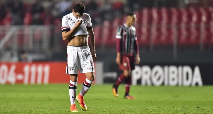 Lesão Ganso São Paulo X Fluminense (Foto: Marcos Ribolli)