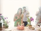 Karina Bacchirelembra pedido feito no aniversário e celebra gravidez