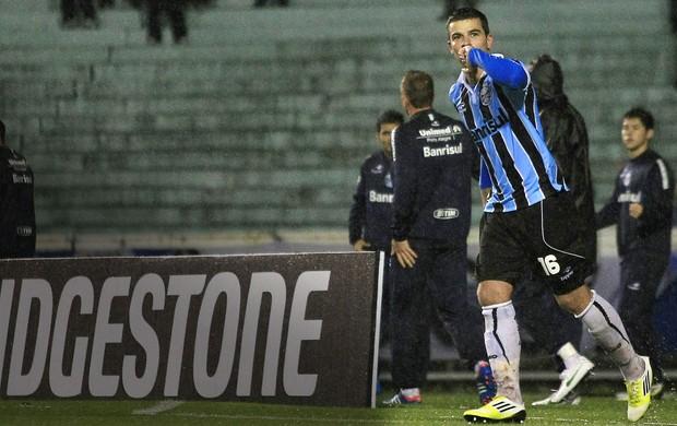 André Lima, Grêmio x Coritiba, Copa Sul-Americana (Foto: Agência EFE)