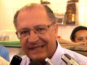 O governador Geraldo Alckmin, em visita a Ribeirão Preto (SP), neste sábado (20) (Foto: Reprodução EPTV)