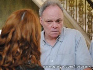 Salvador não cede a pressão de Sílvia e vai embora  (Foto: Joia Rara/TV Globo)