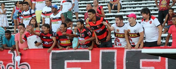 Torcida Flamengo-pi (Foto: Emamuelle Madeira)