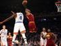 LeBron James lidera massacre sobre os Knicks e até provoca torcedores