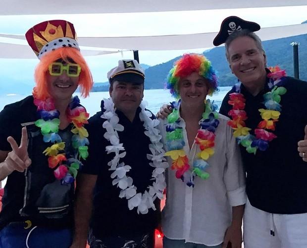 Rodrigo Faro, Luciano Huck e Roberto Justus com amigo (Foto: Reprodução/Instagram)