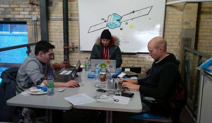 Startups trabalhando na incubadora Hyperdrive, da Communitech, que fica em Ontário, no Canadá.