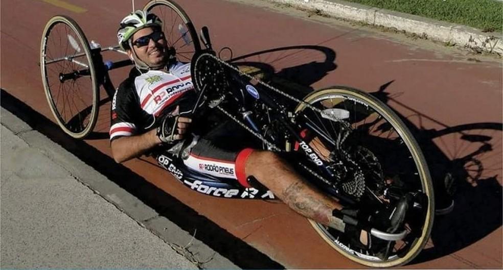 Felipe praticando esporte (Foto: Reprodução/Facebook)
