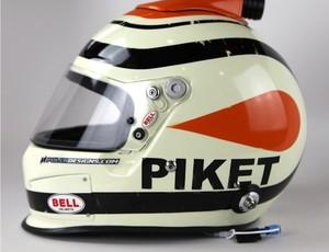 Capacete 'Piket' de Nelsinho Piquet, da Nascar, em homenagem aos 60 anos do pai, o tricampeão de F-1 Nelson Piquet (Foto: Divulgação)