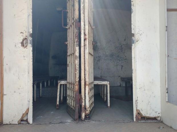 Ônibus tem celas no interior para manter presos (Foto: Divulgação/SSP)