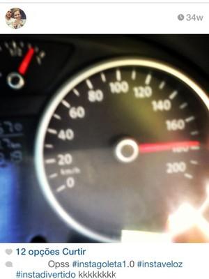 Jovem morre após tirar foto dirigindo a 170 km/h em Itanhaém, SP (Foto: Reprodução/Instagram)