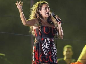 """Homenageando a banda Olodum, Daniela Mercury canta """"Avisa lá"""" na Avenida Paulista. (Foto: Vagner Campos/G1)"""