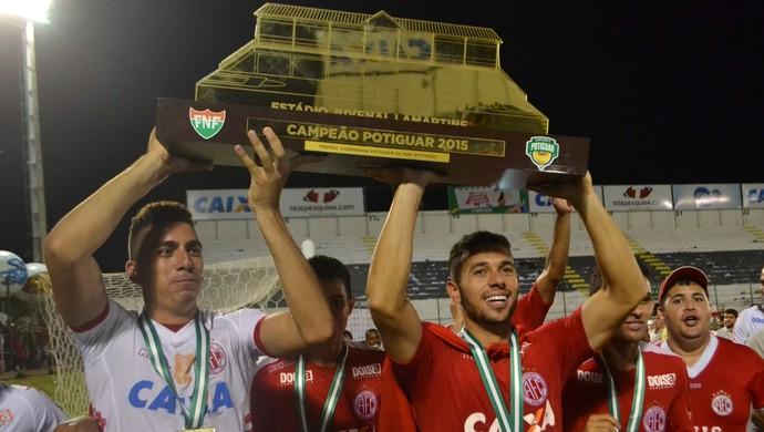 Júnior Timbó - meia do América-RN (Foto: Jocaff Souza/GloboEsporte.com)