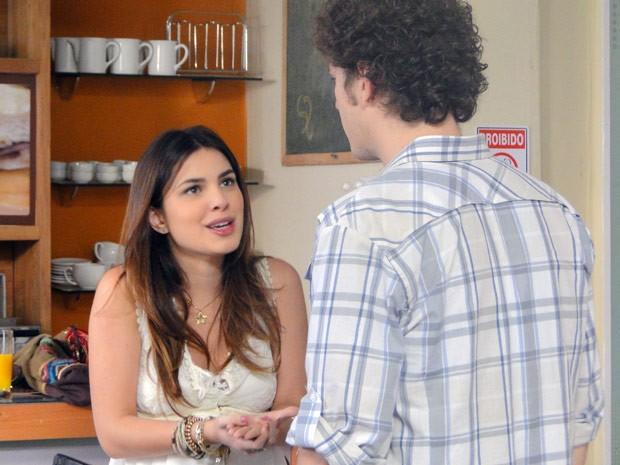 Cristal inventa e diz que vai morar com Tomás em Porto Alegre (Foto: Malhação / Tv Globo)