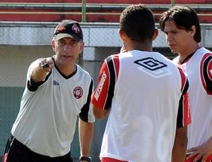 Ricardo Drubscky, do Atlético-PR, no Gigante do Itiberê (Foto: Gustavo Oliveira/Site Oficial do Atlético-PR)
