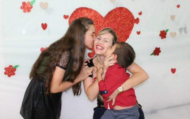 Apresentadora do Globo Esporte Rondônia, Angelita Lima e seus filhos Sofia e Joaquim (Foto: Angelina Ayres/Rede Amazônica)