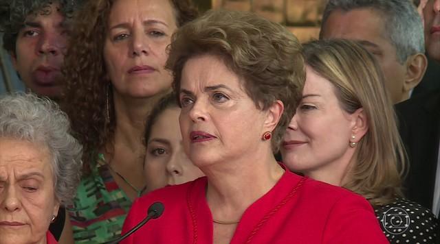 """""""Eles pensam que nos venceram, mas estão enganados"""", diz Dilma Rousseff"""