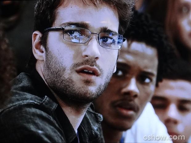 Davi fica surpreso ao descobrir que Manu e Maya são a mesma pessoa (Foto: Geração Brasil/TV Globo)