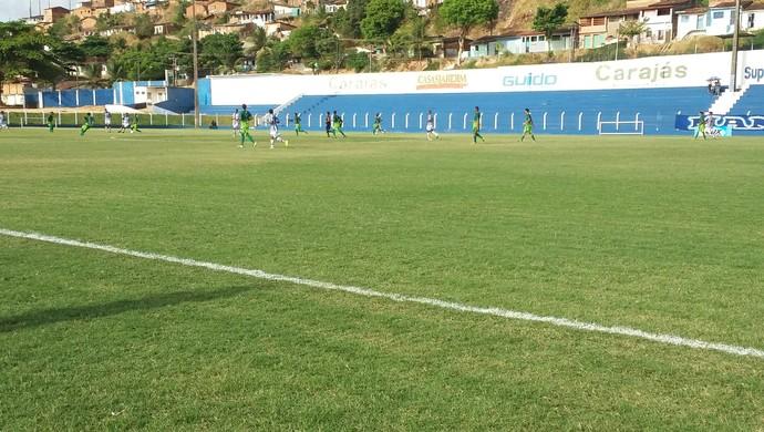 Azulão ganhou do Coruripe por 4 a 0 (Foto: Augusto Oliveira / GloboEsporte.com)