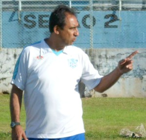 Luis dos Reis, técnico do Marília (Foto: Divulgação / Marília AC)
