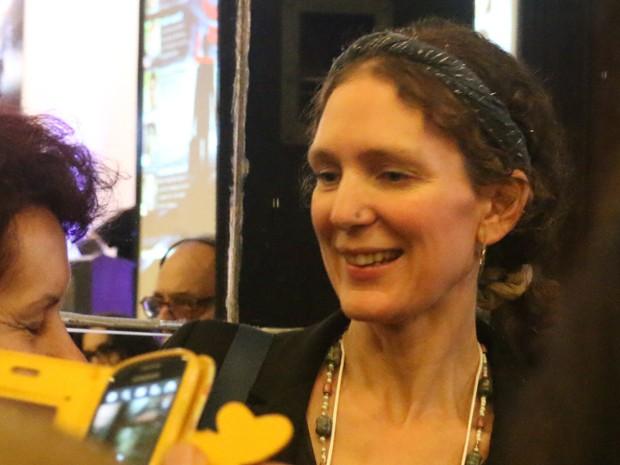 Laura Eisenhower foi aplaudida de pé em evento de ufologia em Porto Alegre (Foto: Maria Polo/G1)