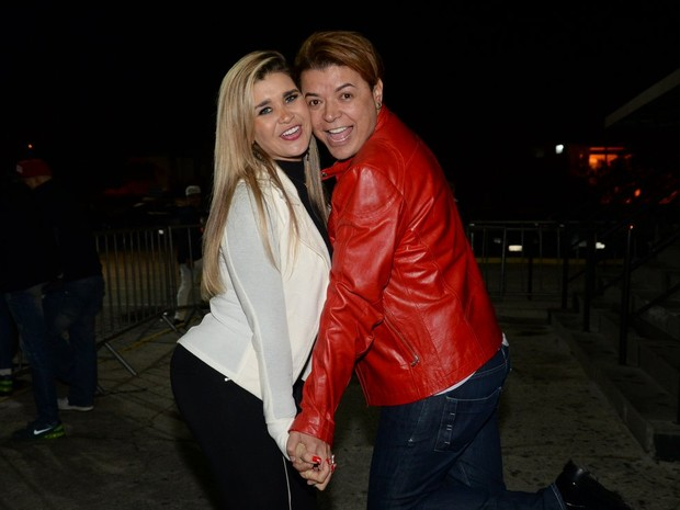 Mulher Maçã e David Brazil em show na Zona Oeste do Rio (Foto: Vinicios Marinho / Brazil News)