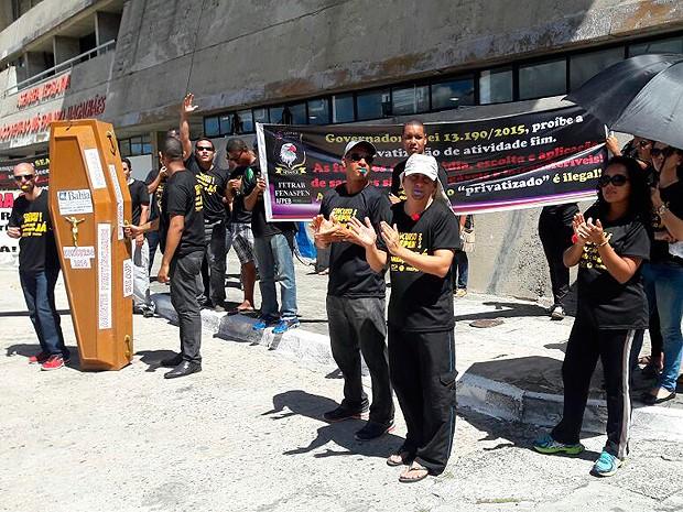 Agentes penitenciários fazem manifestação em frente à Assembleia Legislativa, no CAB, em Salvador (Foto: Reivon Pimentel/ Arquivo Pessoal)