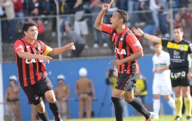 Crislan Coritiba Atlético-PR (Foto: Divulgação / Site oficial do Atlético-PR)