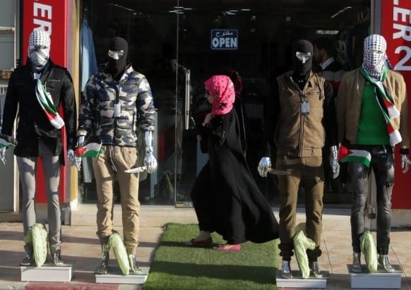 Manequins 'armados' na Faixa de Gaza