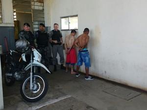 Dois fugitivos foram presos pela Brigada Militar (Foto: Brigada Militar/Divulgação)