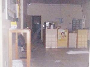 Agência dos Correios fica parcialmente destruída após explosão de cofre (Foto: Telma Macedo/ Blog Deixa Comigo )