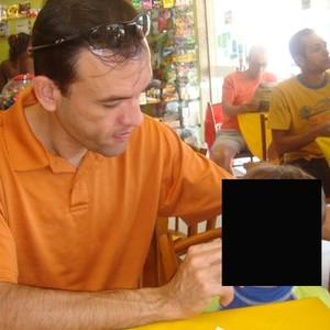 Geraldo ao lado do filho, de três aninhos (Foto: Arquivo pessoal)