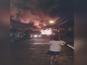 Vizinhos ficaram assustados com incêndio  (Foto: Reprodução / TV TEM)
