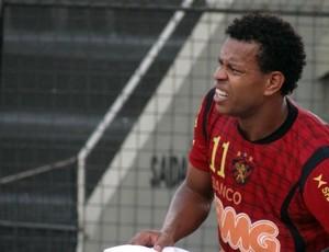 Edcarlos, zagueiro do Sport (Foto: Lula Moraes / GloboEsporte.com)