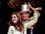 Paloma Bernadi vira chacrete por um dia no musical 'Chacrinha'