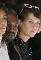 Kim Kardashian vê a irmã Kendall Jenner desfilar em Paris