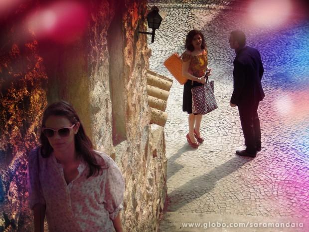 Quando ela toma coragem para se aproximar da garota, Aristóbulo a aborda (Foto: TV Globo/Saramandaia)