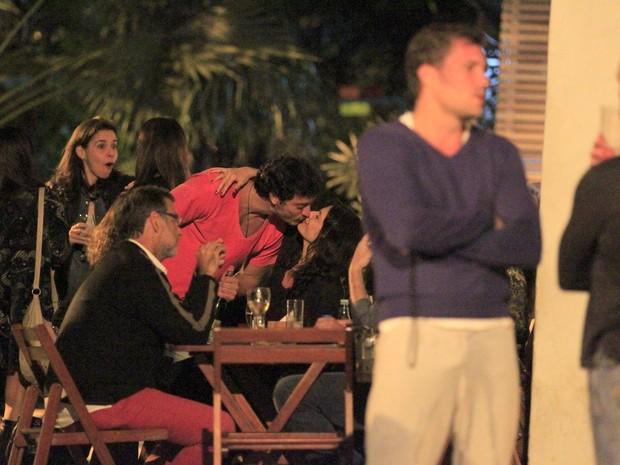 Helena Ranaldi e o namorado,Allan Souza Lima, em restaurante na Zona Sul do Rio (Foto: Delson Silva/ Ag. News)