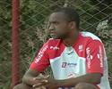 Weslley lamenta últimos tropeços e pede reação do Vila Nova no Serra
