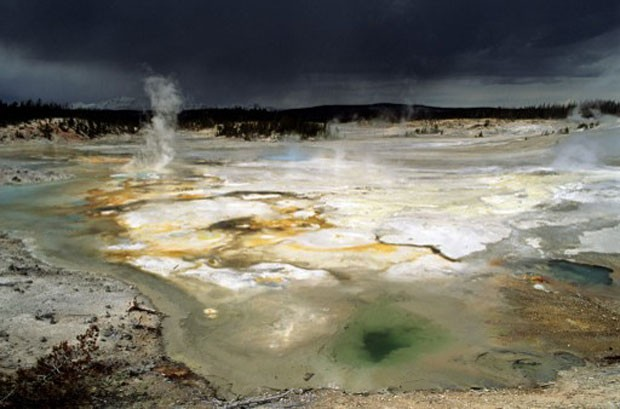 Lagos vulcânicos de Yellowstone em Utah, nos Estados Unidos (Foto: Only World/Only France/AFP)
