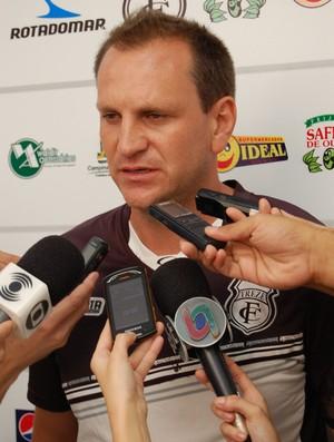 Luciano Silva, técnico interino do Treze (Foto: Silas Batista / Globoesporte.com/pb)